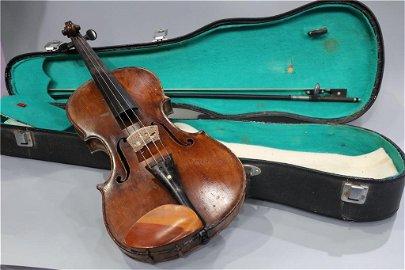 A Wood Antique Violin-Suzuki No.8