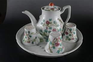An Exquisite Set of Famille-rose Tea Pots