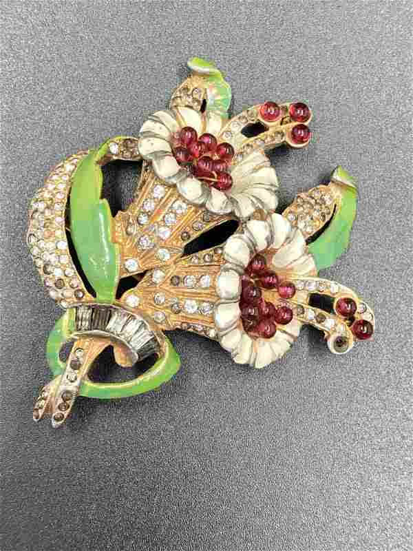 Unsigned Early Vintage Brooch