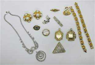 Lot of Vintage Estate Costume Jewelry