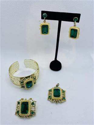 Vintage Costume Jewelry Set with Green Rhinestones