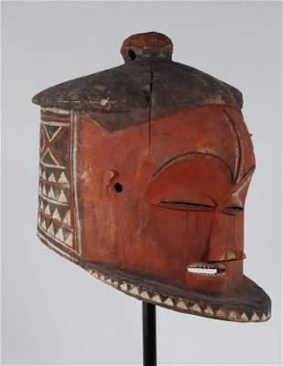 Pende mask DRC Pierre Dartevelle Collection