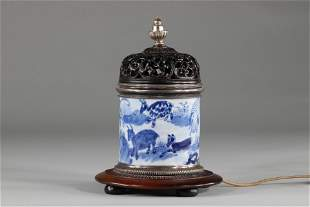 Blanc Bleu porcelain brush holder decorated with