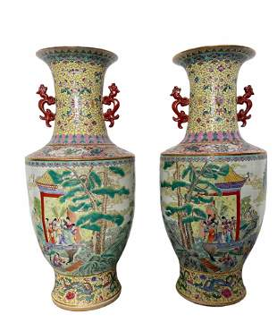 Imposing pair of vases decorated with 20th century