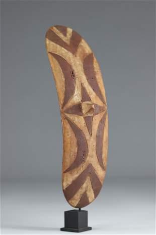 Tutsi dance shield - Rwanda - Mid 20th century