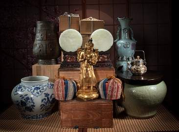 PART OF THE COLLECTION OF MR. NOBUO MAEDA, AN ANTIQUE D