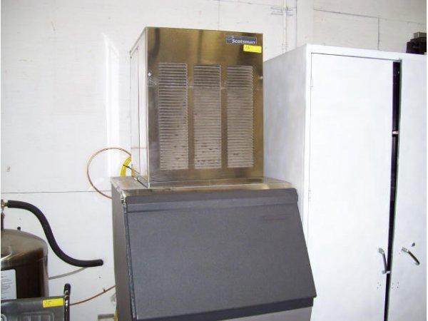 16: 1-Scottsman Ice Machine Model HTB555 D5111320010924