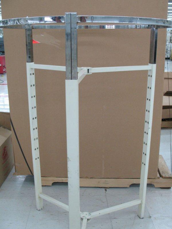 5C: Large round clothes rack
