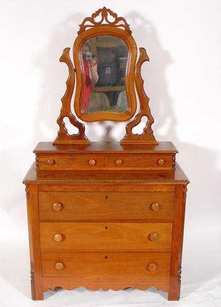 35 Oak Dresser With Wishbone Mirror Glove Boxes