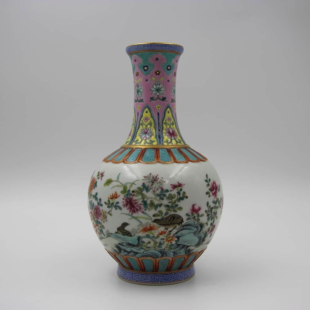 A Famille Rose Flower&Bird Pattern Porcelain Vase