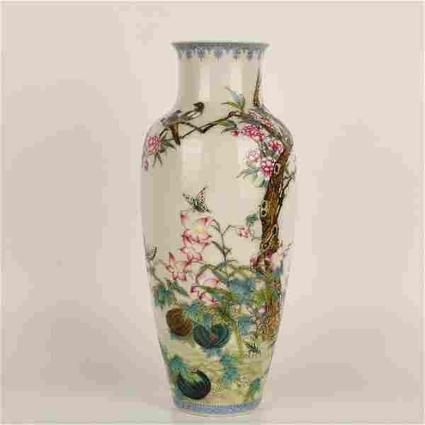 A Famille Rose Flower&Bird Pattern Porcelain Guanyin
