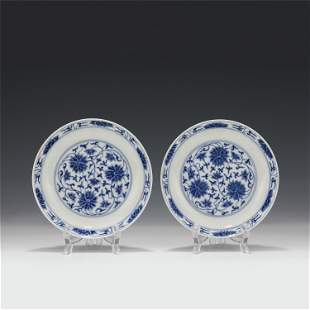A PAIR OF CHINESE BLUE&WHITE FLOWER PATTERN PORCELAIN