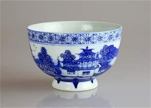 CHINESE QIANLONG BLUE AND WHITE GLAZED PORCELAIN BOWL.