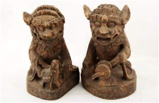 (2) A PAIR OF CHINE LIONS WOODEN STATUE.