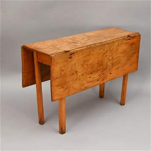 New England Chippendale Maple Drop-Leaf Table