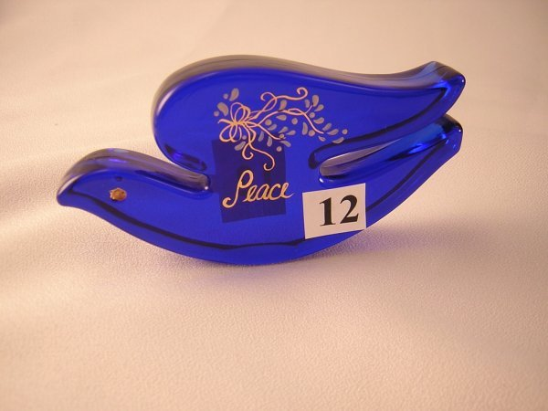 """12: Blue Dove paperweight (4.25"""" long) with handpainted"""