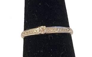 White 14k Gold Diamonds Ring