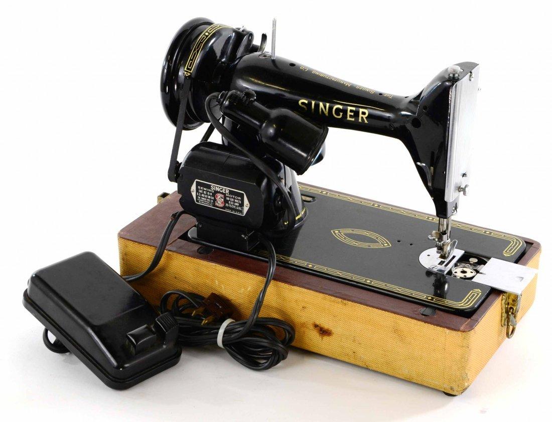 Antique Singer Sewing Machine, BZ 15-8 in Original Case - 10