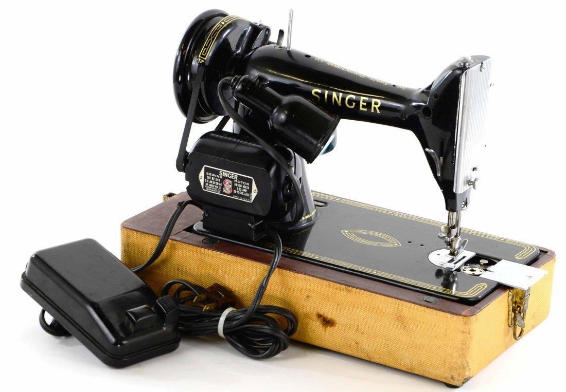 Antique Singer Sewing Machine, BZ 15-8 in Original Case - 8