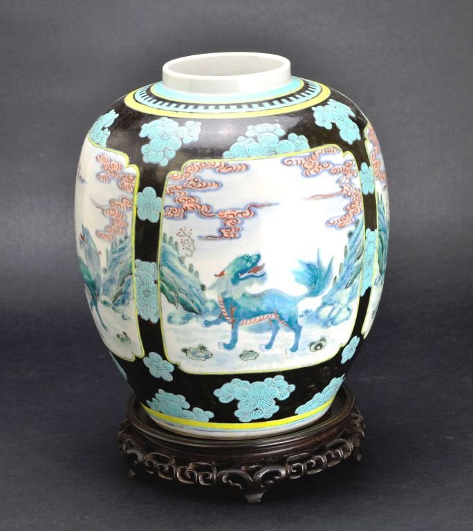 19th Cent. Chinese Famille Verte Porcelain Jar or Vase - 3