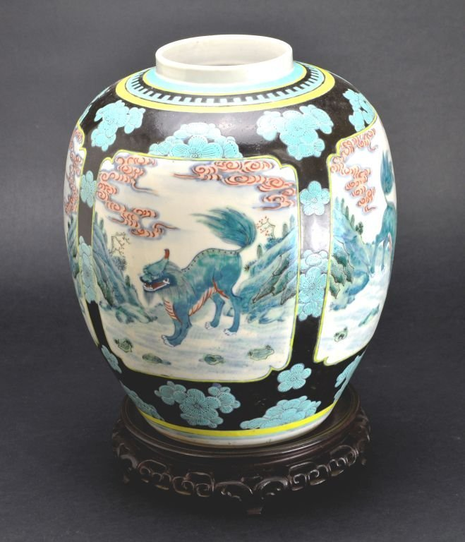 19th Cent. Chinese Famille Verte Porcelain Jar or Vase - 6