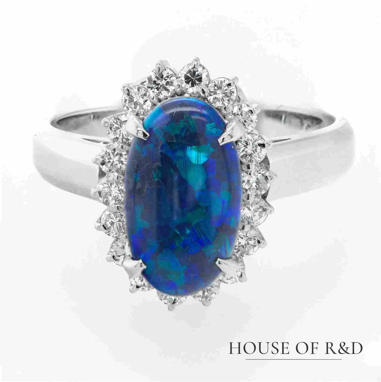 Platinum 900 - 1.84tcw - Opal & Diamonds Ring
