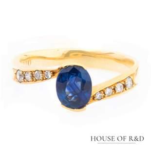 18k Yellow Gold - 1.03tcw - Sapphire & Diamond Ring