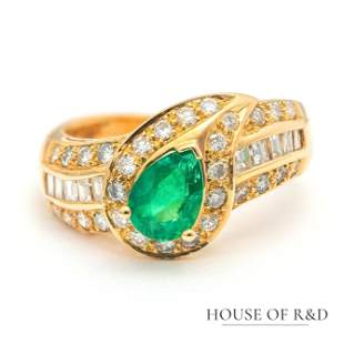 18k Yellow Gold - 1.64tcw - Emerald & Diamonds Ring