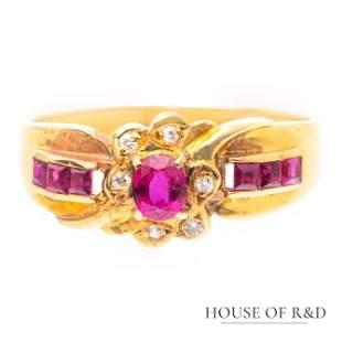 18k Yellow Gold - 0.26tcw - Ruby & Diamonds Ring