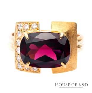 18k Yellow Gold - 5.20tcw -  Granet & Diamonds Ring