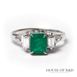 Platinum 900 - 1.30tcw - Emerald & Diamond Ring