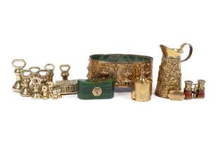 SMALL COLLECTION OF BRASS OBJECTS