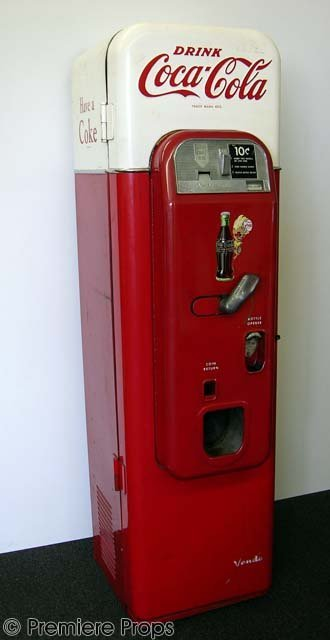 129: CHRISTIAN SLATER - Vintage Coca-Cola Machine