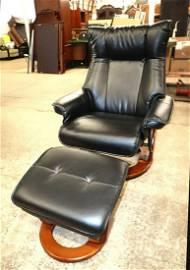BenchMaster stress free lounge chair & ottoman