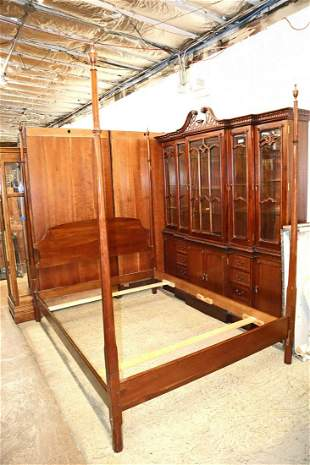 Beautiful Stickley cherry queen size poster bed