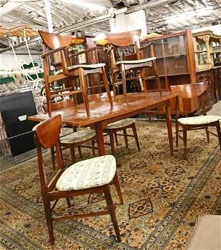 MCM walnut DRT and 6 chairs 1 leaf
