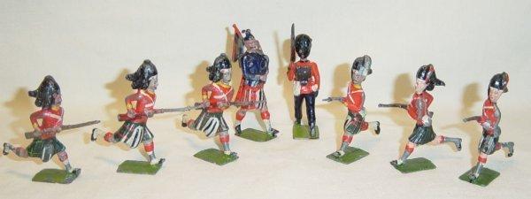 613: (8) Pcs. Britains Highlanders