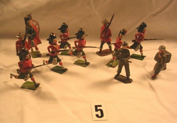 5: (11) Pcs. Britains Black Watch Highlanders + Extras