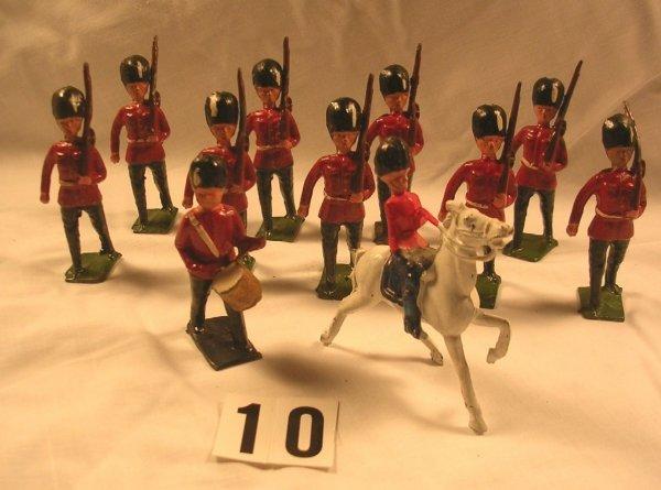 10: (11) Pcs. Crescent Marching Guardsmen Toy Soldiers