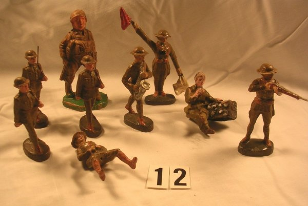 12: (9) Pcs. Elastolin American Infantry Group
