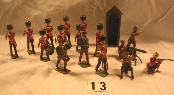 13: (17) Pcs. Britains Pipes and Drums Irish Guard