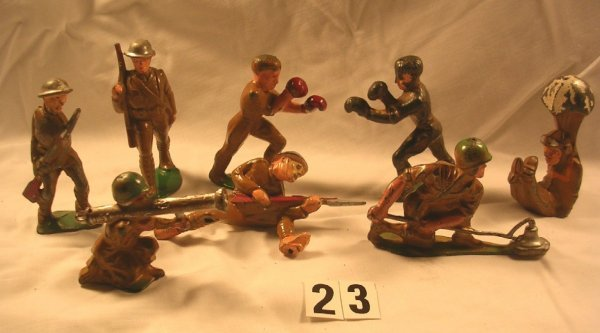 23: (8) Pcs. Manoil Soldiers Lot