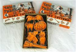 471 2 Vintage Nos Boxes Halloween Cookie Cutters