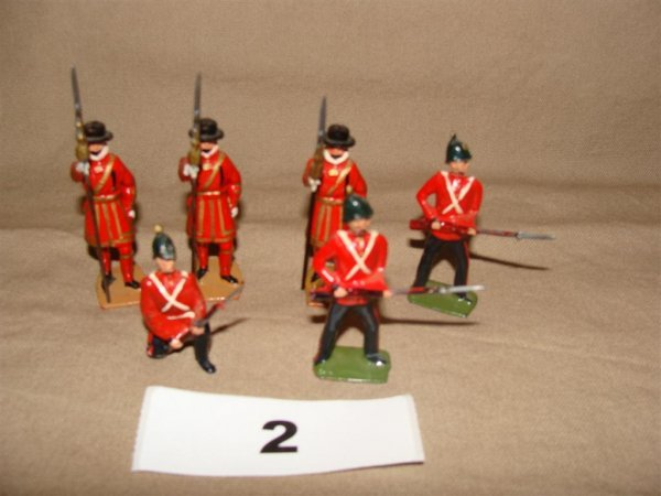 1002: Britains Beefeaters and Middlesex Infantry