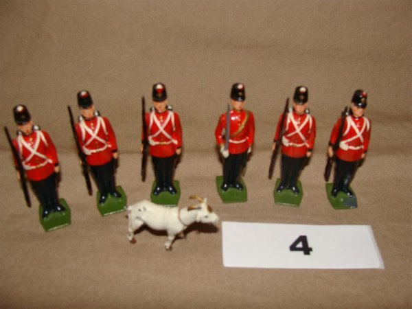 1004: Britains Fort Henry Guards with Mascot