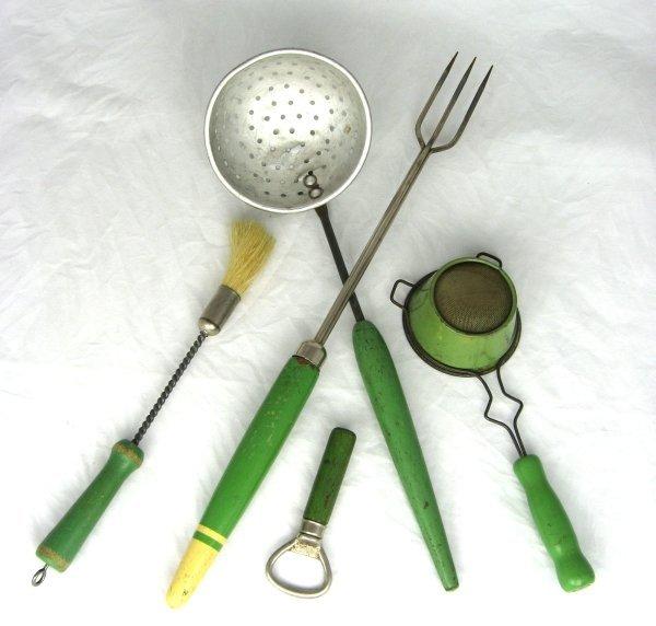 1: 5 Vintage Wood Handled Kitchen Utensils