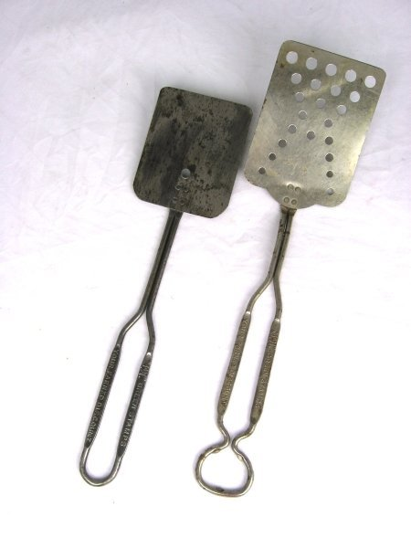 6: 2 Early Tin S&H Green Stamps Spatulas