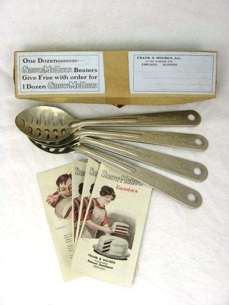 12: 1914 Tin Snow Mellow Spoon Beaters Box Books