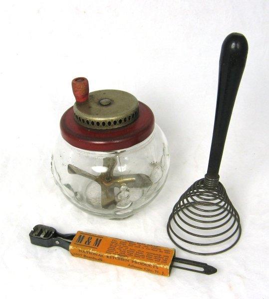 19: 1900's Mixer Food Peeler Beaner Egg Jumper