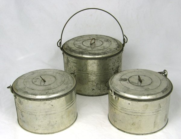 47: 3 1900's Nos Tin Lunch Pails